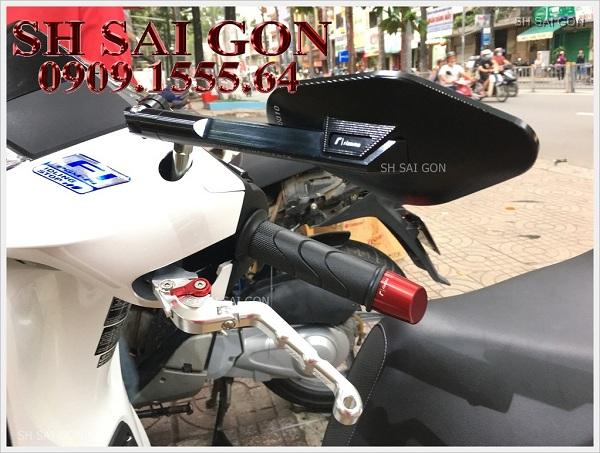 Photo tay thắng bao tay kiếng chiếu hậu cá tính cho xe SH 2017 giá thấp cao cấp tại SG