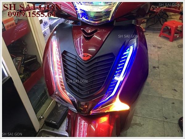 Hình ảnh đèn led audi cực ngầu cho xe SH 2017 giá cạnh tranh chính hãng ở Trung tâm đồ chơi xe SH Sài Gòn