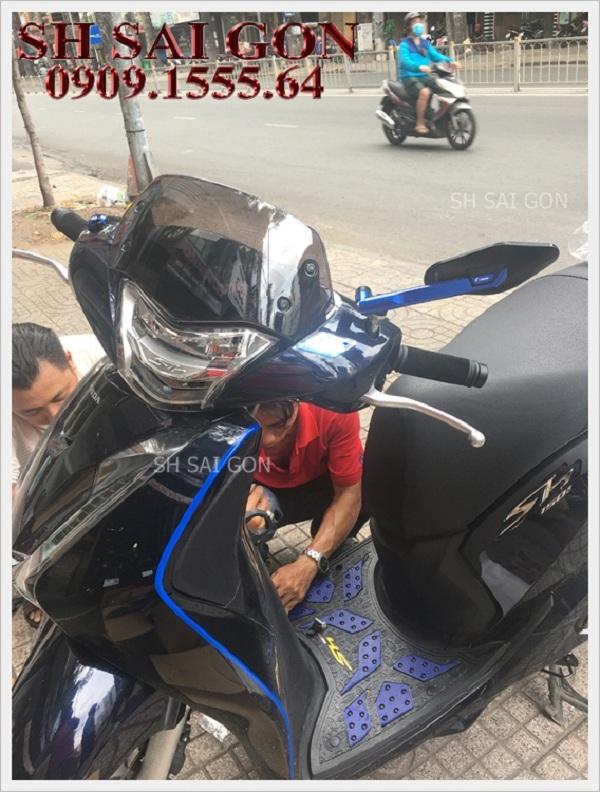 Photo kính chắn gió cực chất cho xe SH 2017 giá rẻ cao cấp tại Hồ Chí Minh